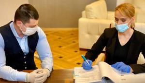 Gabriela Firea a semnat contractul privind achizitia celor 100 de troleibuze noi. Primul troleibuz va fi livrat in noiembrie 2020