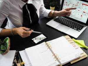 Revolutia fiscala da primele roade: Avem cu 35% mai multe firme suspendate