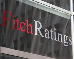 Fitch a retrogradat ratingul pentru datoriile pe termen lung in lei al Romaniei