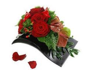 Corporatistii comanda 80% din florile de Martisor