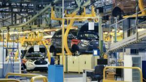 Ford cauta 1,700 de persoane pe care sa le angajeze in Romania
