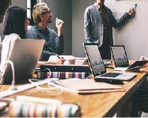 Ghidul managerului. Ce este si ce efecte are clauza de formare profesionala?