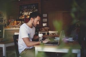 Ce trebuie sa stii inainte sa renunti la un job stabil si sa devii freelancer