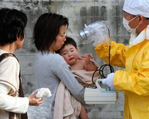 Au aparut primele cazuri de cancer de tiroida, in urma radiatiilor de la Fukushima