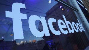 Facebook face dezvaluiri: Numarul victimelor Cambridge Analytica este mult mai mare