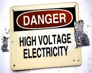 """Londra: Infractorii fura curent electric pentru cetateni, in schimbul unei """"taxe"""" de 10 lire sterline"""