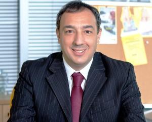 Western Union si Raiffeisen Bank lanseaza serviciul de transfer de bani prin Internet Banking