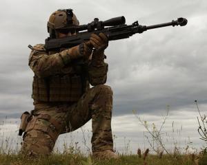 EXPOMIL - ce arme produse la noi au atras atentia militarilor de peste hotare