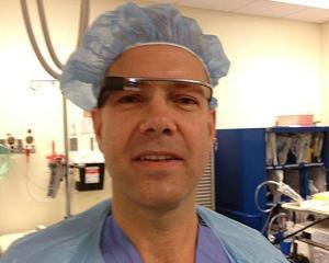 S-a realizat prima operatie filmata cu Google Glass