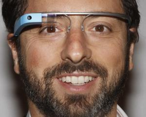 Cati romani au testat ochelarii Google Glass