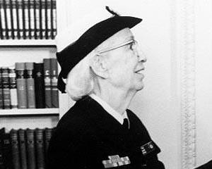9 decembrie 1906: s-a nascut Grace Hopper, un geniu al informaticii