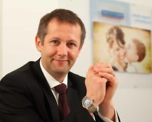PROFIL DE MANAGER: Cine este Graham O'Mahoney, omul din spatele finantelor Provident Financial Romania