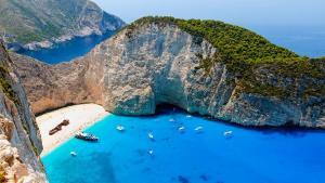 Grecia A SCHIMBAT REGULILE pentru TURISTI