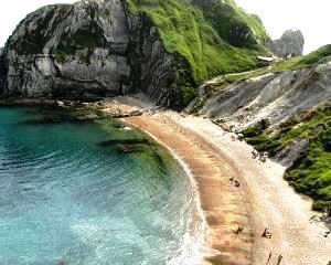Grecia isi vinde plajele pentru a face rost de fonduri