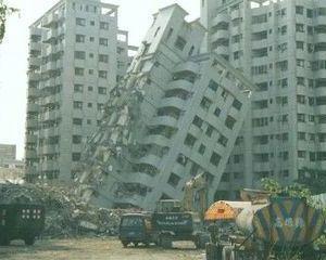 Guvernul va reduce la jumatate fondurile pentru consolidarea blocurilor cu risc seismic