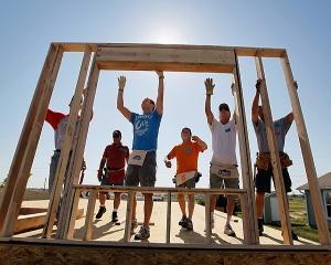 Habitat for Humanity Romania renoveaza doua blocuri din Ghetoul Carpati din Caracal
