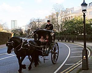 23 decembrie 1834: Joseph Hansom primeste licenta pentru primul serviciu de taxi al Londrei