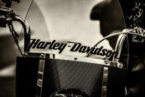 Harley-Davidson isi muta productia de motociclete in afara SUA. Trump critica decizia