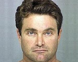 Mostenitorul averii lui Max Factor, condamnat la 50 de ani pentru viol