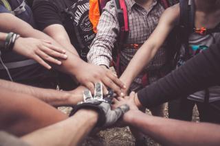 Beneficiile teambuildingurilor pentru echipele de angajati