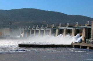 Canicula a dus consumul de energie electrica din Romania la doua recorduri in mai putin de o saptamana