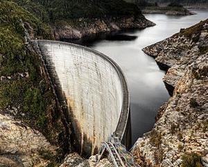 Sindicatul Hidroelectrica protesteaza: Impozitarea constructiilor speciale creste costurile de productie