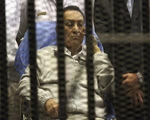 Fostul presedinte egiptean Hosni Mubarak a fost condamnat la 3 ani de inchisoare