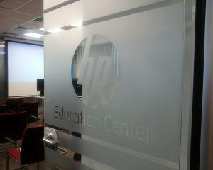 HP Romania inaugureaza un Centru de Training in Bucuresti. Acesta include o sala de cursuri cu dotari de ultima generatie
