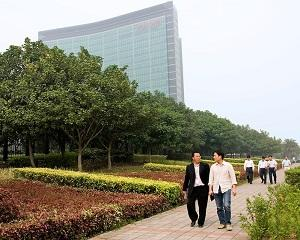 Oficiali chinezi si compania Huawei spionati de NSA