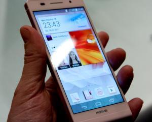 Huawei si Omlet devin parteneri pentru a aduce platforma de socializare pe device-urile Huawei