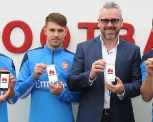 Huawei va sponsoriza echipa de fotbal Arsenal