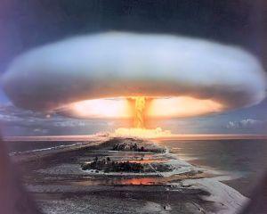 31 ianuarie 1950: Presedintele Truman a lansat programul de producere a bombei cu hidrogen
