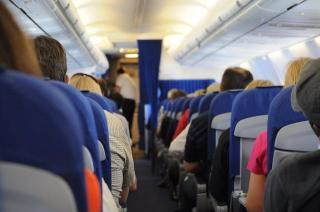 IATA: Companiile aeriene propun ca toti pasagerii sa fie testati COVID inainte de zbor
