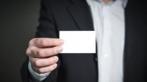 UE introduce masuri de securitate mai stricte pentru cartile de identitate. Romanii vor avea carti de identitate de dimensiunile unui card de credit