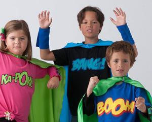 Idei de afaceri: Pelerine personalizate pentru copiii supereroi
