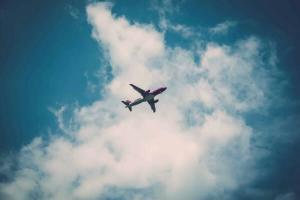 Doua companii aeriene din Romania au comandat avioane din modelul prabusit in Indonezia
