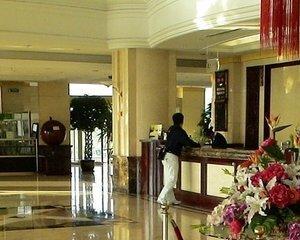 Ce angajati din hoteluri si restaurante vor avea salariile scutite de impozitul pe venit?
