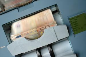 Daca FMI inchide robinetul, tara nu mai are banii de pensii si salarii. Sefa FMI avertizeaza europenii