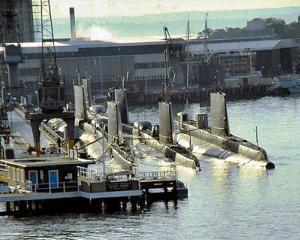 In ce fel de baza militara secreta isi testeaza noile submarine Marina SUA