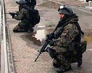In estul Ucrainei, fortele armate au dezertat in favoarea separatistilor pro-rusi