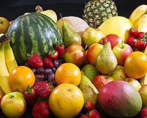In Marea Britanie, fructele si legumele, care nu se ridica la standardele retailerilor, sunt distruse