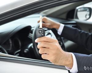 Alege sa inchiriezi un autoturism de la companii de incredere