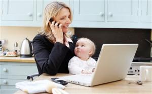 Parintii care revin la munca, dupa concediul de crestere a copilului, vor primi stimulentul de insertie, chiar daca firma la care lucreaza si-a suspendat activitatea