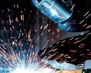 Industria romaneasca a crescut in 2013: Plus 7,6% la comenzile noi pe primele 11 luni