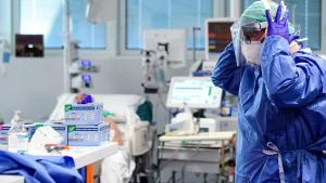 25% din totalul cetatenilor infectati cu noul coronavirus sunt salariati din Sanatate