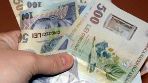 Pe ce se duc banii romanilor: Preturile la servicii si alimente de baza au explodat in ultimele luni