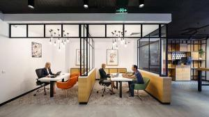 Acasa la ING: banca a inaugurat un nou concept de office, care pune accent pe experienta clientilor