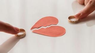 ANALIZA INS: Numarul divorturilor este in crestere, al casatoriilor, in scadere. Sporul natural negativ s-a dublat in 2020
