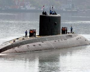 Submarin indian, scufundat cu 18 marinari la bord, dupa o explozie