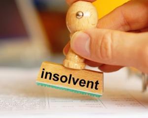 Scad insolventele companiilor din Romania, la general. In schimb, falimentele companiilor mijlocii se inmultesc